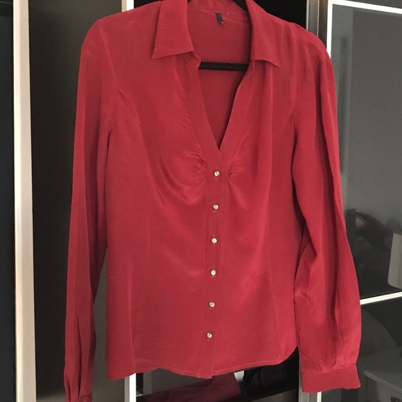 730af62d4c0a80 Tahari Rust-colored fitted silk blouse. Tahari. M 5c340abf534ef9b07b6fd740.  M 5c340ac15c4452e96412d9a8. M 5c340ac20cb5aaed9d65438c